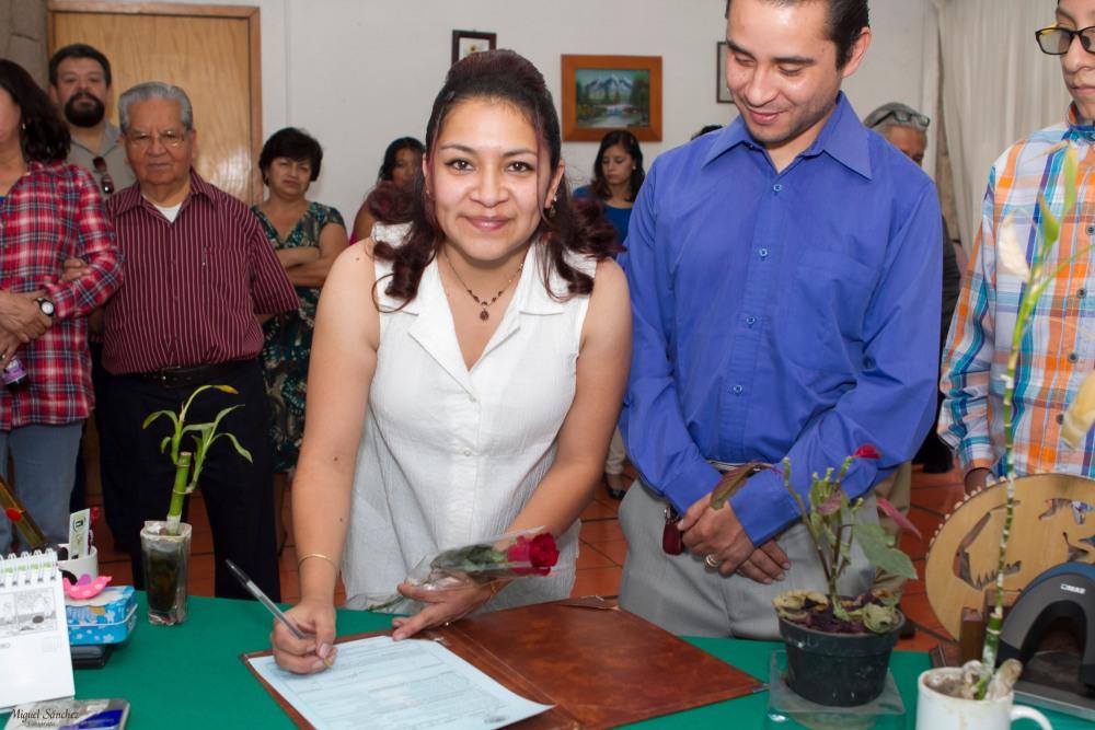 Myriam y Arturo Boda Civil (5/6)